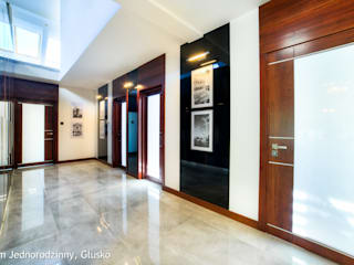 Corridor & hallway by Auraprojekt, Modern