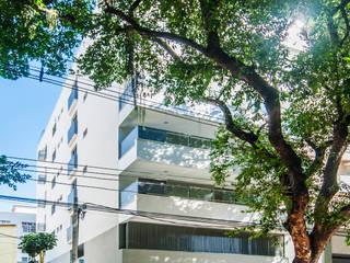 Moderne huizen van Tato Bittencourt Arquitetos Associados Modern