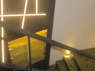 Penthouse in Luxemburg Moderner Flur, Diele & Treppenhaus von STYLE-interior design, Ganal + Sloma Modern