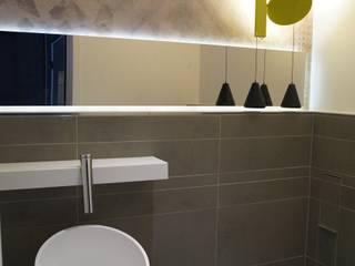 Penthouse in Luxemburg Moderne Badezimmer von STYLE-interior design, Ganal + Sloma Modern