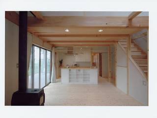 Dining room by 氏原求建築設計工房