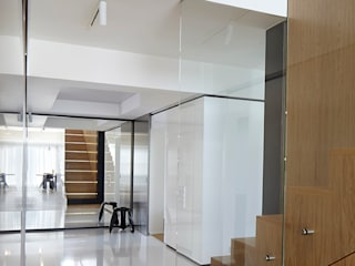 Wnętrze Karczew Pasillos, vestíbulos y escaleras de estilo moderno de aneta.filipczak Moderno