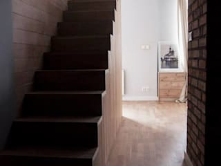 projekt wnętrza apartamentu pod wynajem_il. Lwowska_ Kraków Modern Corridor, Hallway and Staircase by enem.studio Modern