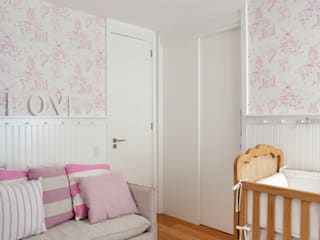 Nursery/kid's room by Gisele Taranto Arquitetura,