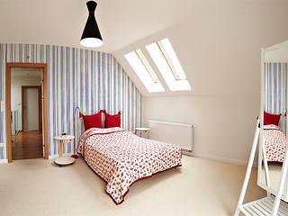Modern style bedroom by Biuro Projektów MTM Styl - domywstylu.pl Modern