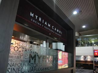 Local Myriam Camhi: Espacios comerciales de estilo  por AV arquitectos, Moderno