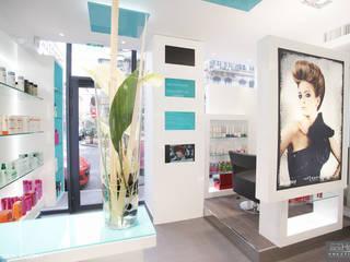 Rehabilitation d'un salon de coiffure Lyon réHome Locaux commerciaux & Magasin modernes