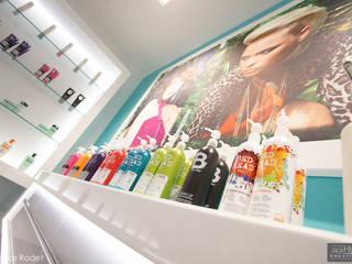 Rehabilitation d'un salon de coiffure Lyon réHome Couloir, entrée, escaliersCommodes & étagères
