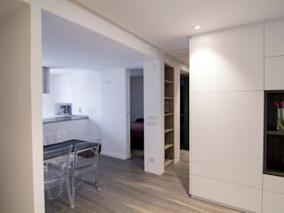 lauraStrada Interiors Minimalist living room