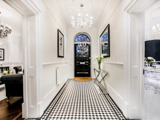 The Cooke's:  Corridor & hallway by Vogue Kitchens