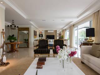 Apartamento Campo Belo: Salas de estar  por Fernanda Bertolucci Arquitetura   Interiores