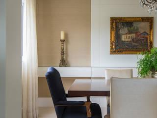 Apartamento Campo Belo: Salas de jantar  por Fernanda Bertolucci Arquitetura   Interiores