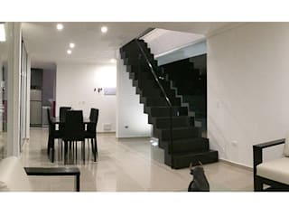 Casa Vasquez Herman Araya Arquitecto y constructor Livings de estilo moderno