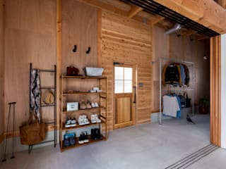 Rustic style corridor, hallway & stairs by ALTS DESIGN OFFICE Rustic