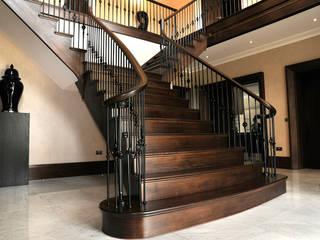 Bespoke Handrail for Stunning Feature Staircase:  Corridor & hallway by Haldane UK