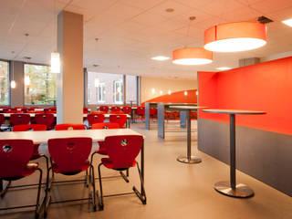 Escolas modernas por Höltkemeier InnenArchitektur Moderno