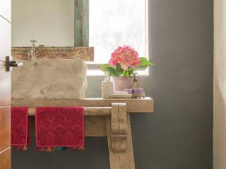 Bathroom by MARIANGEL COGHLAN, Modern