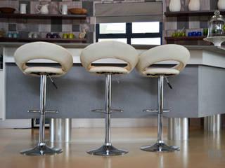 by Ergo Designer Kitchens Сучасний