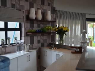 Mr & Mrs Harper Bar Area by Ergo Designer Kitchens Modern