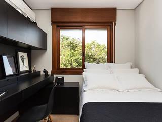 Dormitorios de estilo  de Ateliê 7 arquitetura e design integrados