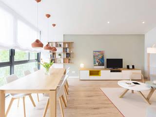 Salas / recibidores de estilo  por Beivide Studio, Escandinavo