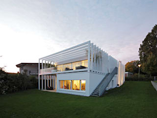 Modern houses by LABOR WELTENBAU ARCHITEKTUR Modern
