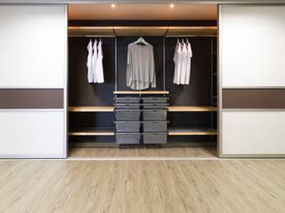 Elfa Deutschland GmbH Phòng ngủ phong cách hiện đại White