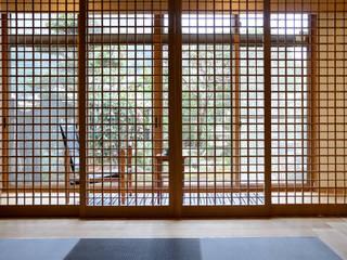 Modern media room by 風景のある家.LLC Modern Wood Wood effect