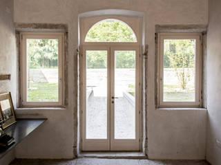MORO SAS DI GIANNI MORO Classic style windows & doors Wood White