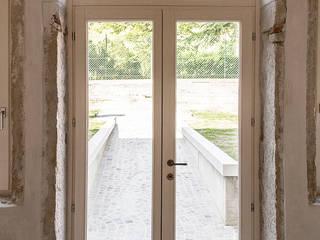 MORO SAS DI GIANNI MORO Classic style windows & doors White