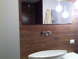 Modern Bathroom by Architetto Dario Vista Modern