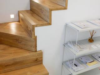 Escaleras de madera: Escaleras de estilo  de Conely