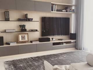 OBEROI RUG: Salas de estilo moderno por FLAM RUGS