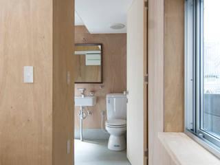 巣箱の家: 星設計室が手掛けた浴室です。