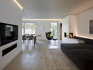 Living room by Burnazzi  Feltrin  Architects