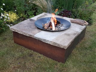 Table firepit Minimalist style garden by Lithic Fire Minimalist