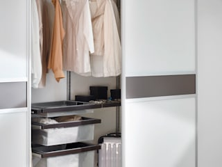 Elfa Deutschland GmbH Modern Bedroom Brown