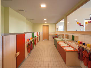 KITA Delitzsch Moderne Badezimmer von Rentzsch Architekten Modern