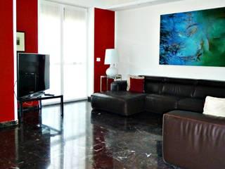 red house: Soggiorno in stile  di Arch. Pierangela Crosti