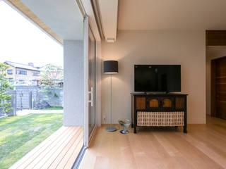 向島の家 和風デザインの リビング の 花屋設計部 和風