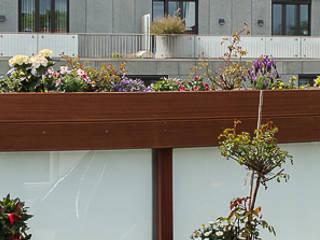 Blühende Ballustrade:  Terrasse von ARTfischer Die Möbelmanufaktur.