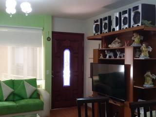 Casa Idea: Pasillos y recibidores de estilo  por Estudio Ideas