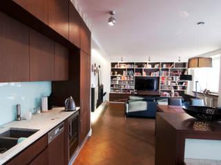 Mieszkanie Żoliborz: styl , w kategorii Salon zaprojektowany przez EYMONTT PRACOWNIA AUTORSKA