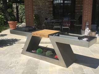 ZED EXPERIENCE relax in piscina: Piscina in stile  di ZED EXPERIENCE - indoor & outdoor kitchen