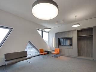 Anwaltskanzlei im Hafen Moderne Bürogebäude von Jutta Hillen Innenarchitektur Modern