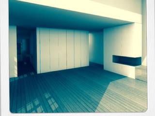 04HCM11 - REABILITAÇÃO RUA DE S.PEDRO: Salas de estar modernas por sérgio rocha.arq
