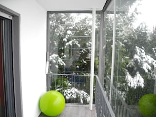 모던스타일 발코니, 베란다 & 테라스 by SIMONE JÜSCHKE INNEN|ARCHITEKTUR 모던