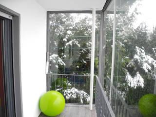 Modern terrace by SIMONE JÜSCHKE INNEN|ARCHITEKTUR Modern