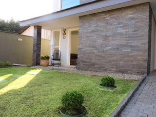 Giardino moderno di Cecyn Arquitetura + Design Moderno