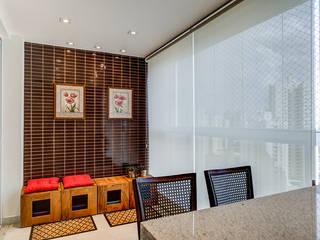 Balcon, Veranda & Terrasse modernes par Eveline Maciel - Arquitetura e Interiores Moderne